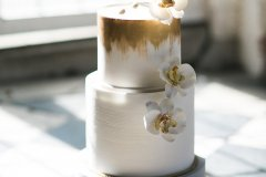 Wedding cake at Rothamsted Manor Harpenden, Hertfordshire © Weddingly